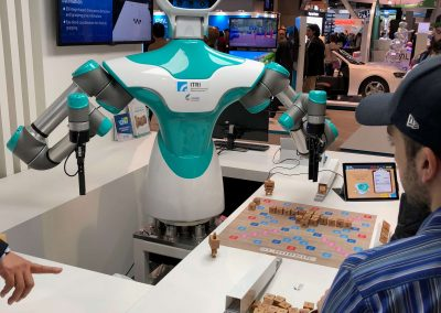 ces-2018-scrable-robot-player